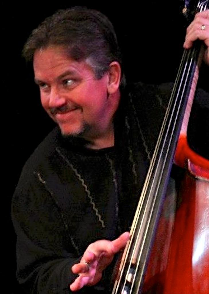 Bassist Dwight Kilian