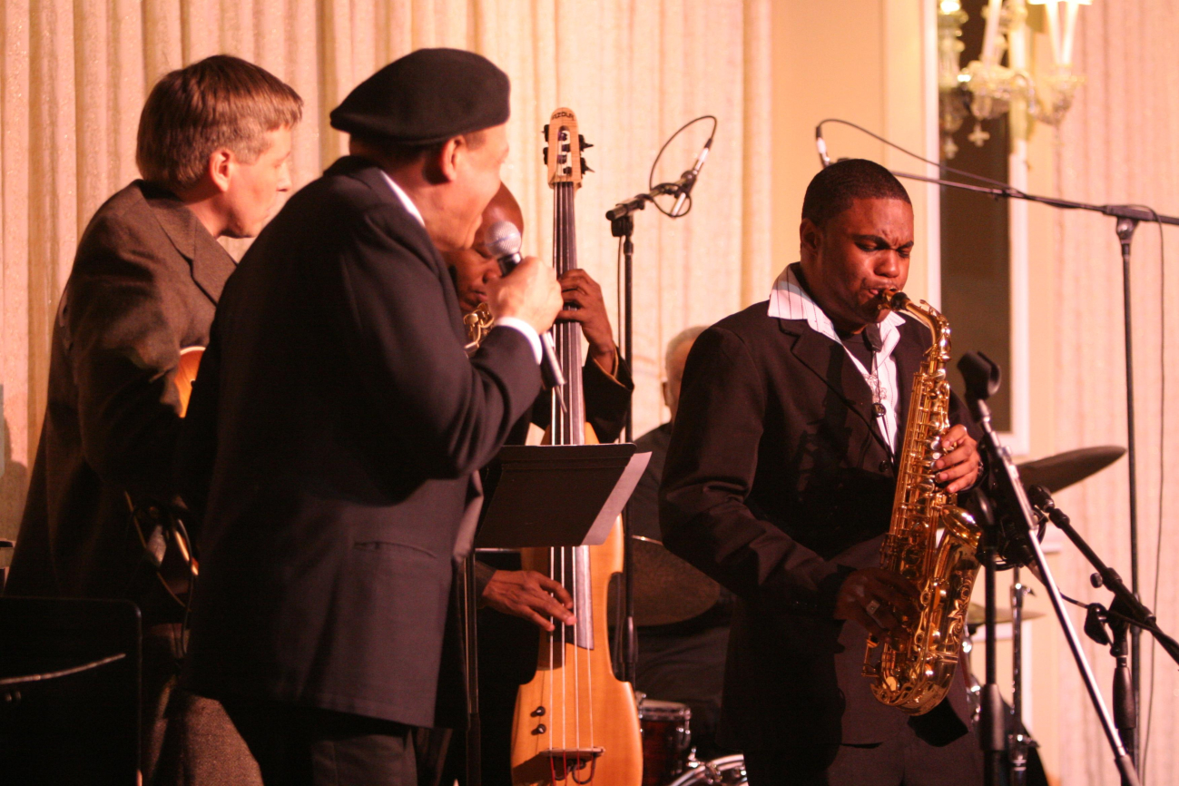 Beacons of Jazz w/ al Jarreau, Lonnie Plaxico, Tyrone Smith