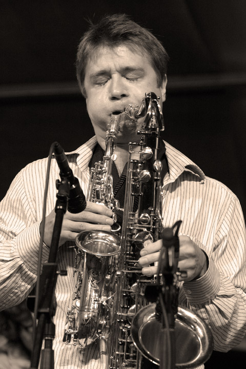 Rob Wagner at the New Orleans Jazz and Heritage Festival 2005