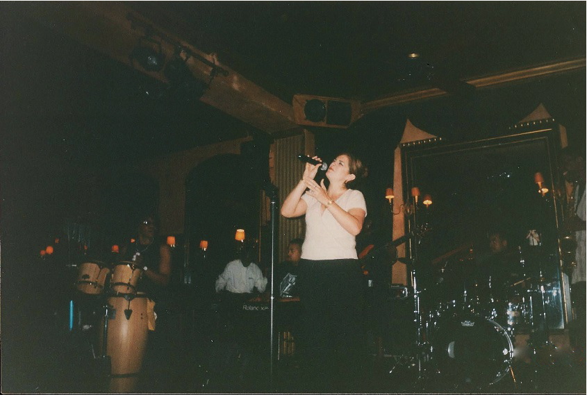 Laurie Dapice Performs @ World Famous Nells Nyc