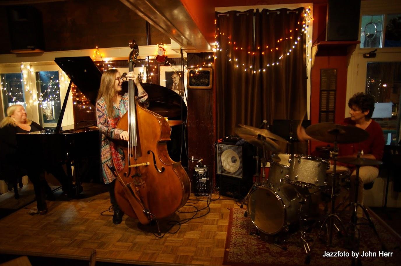 3Divas Jazz Trio