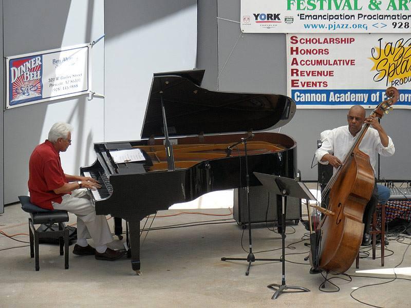 Ron hart & gary fitzgerald at arcosanti jazz festival, june, 2013