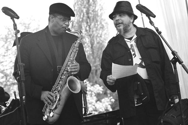 Ray Blue & Rasul Siddik / Des AM