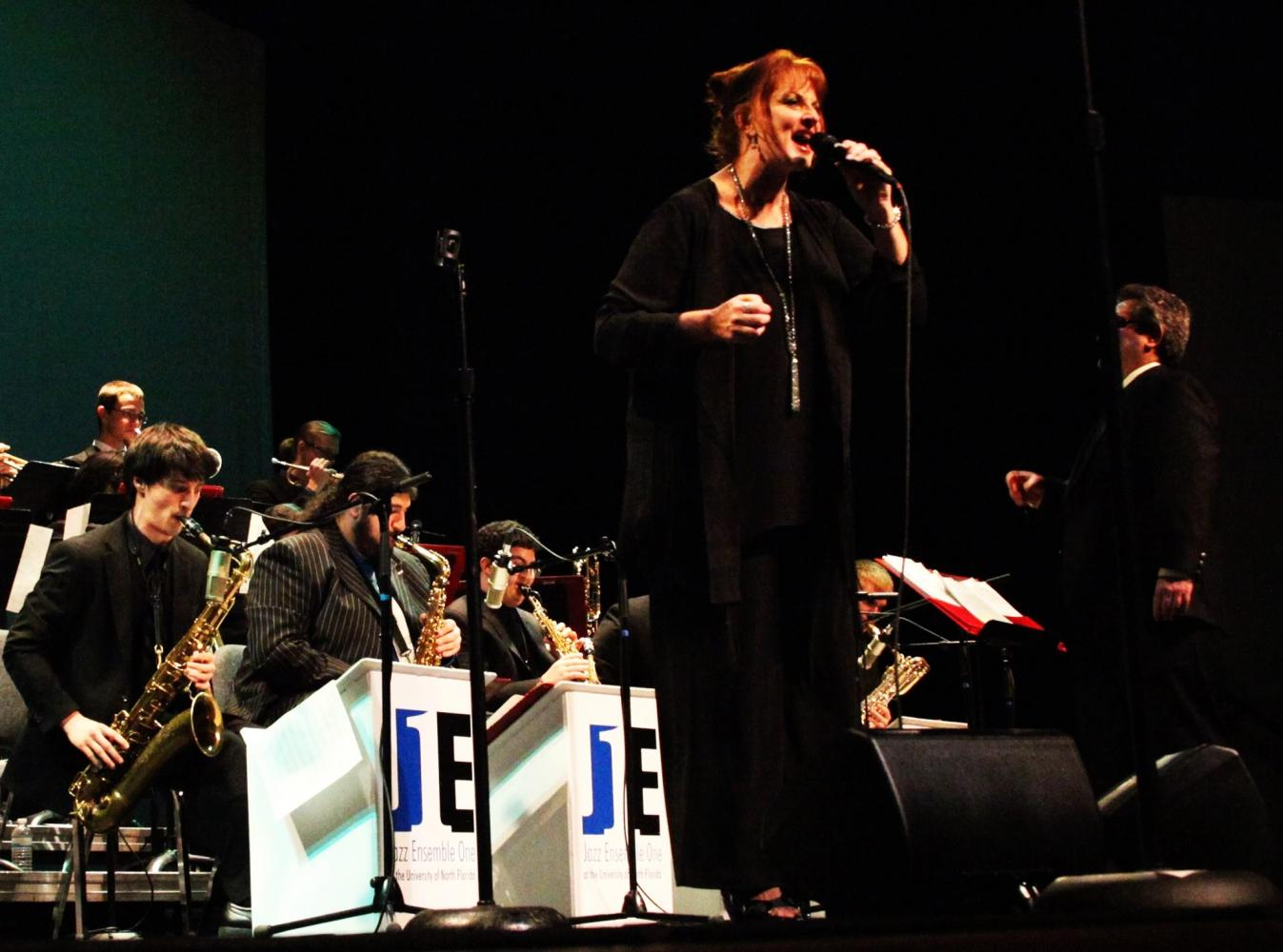 Vocalist Lisa Kelly at UNF concert