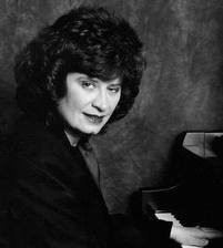Linda Dachtyl At The Piano