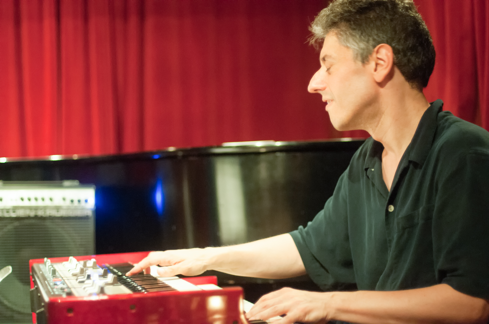 Gary versace with the ellery eskelin organ trio at cornelia street cafe