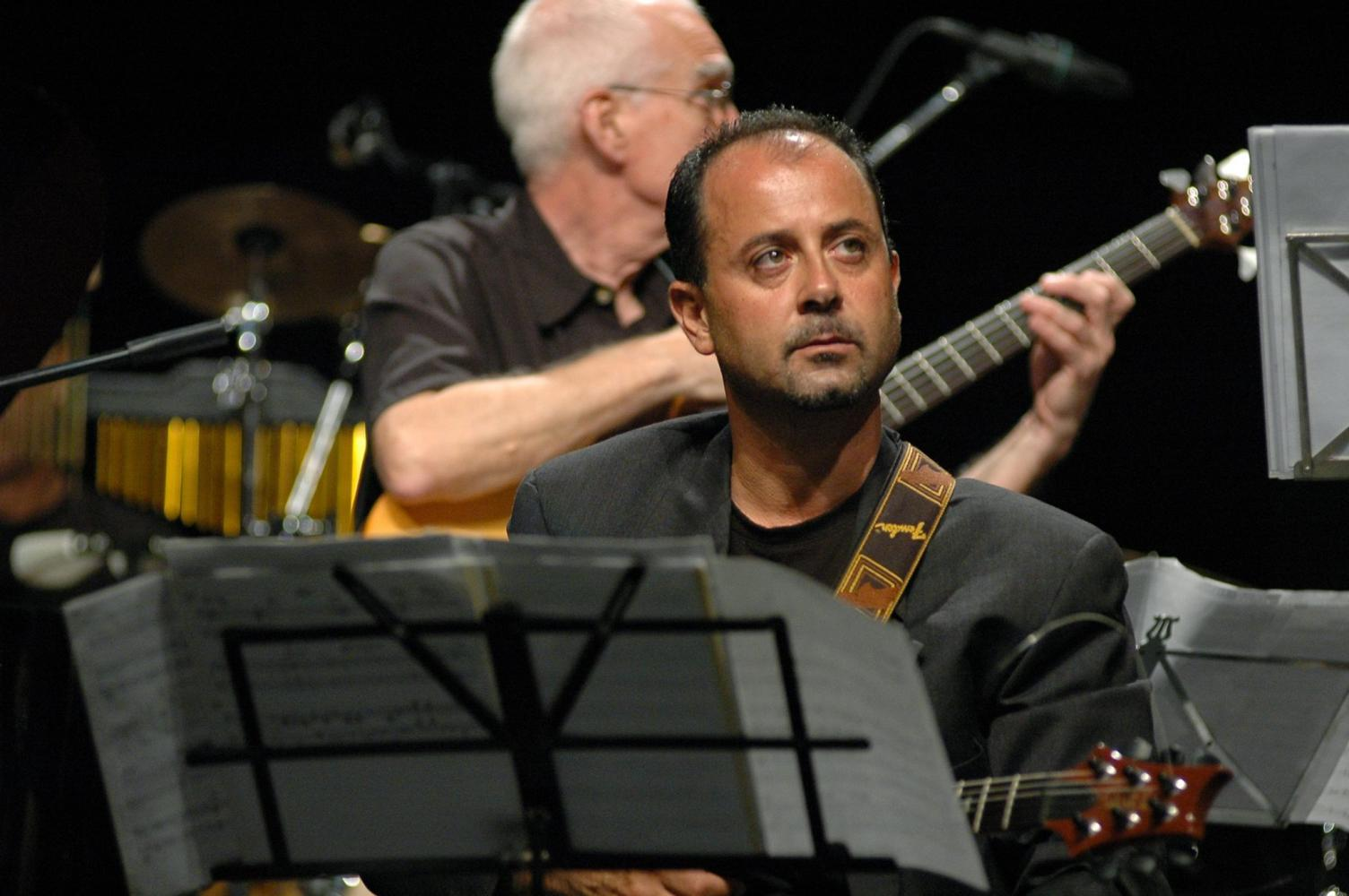 Roberto Tola
