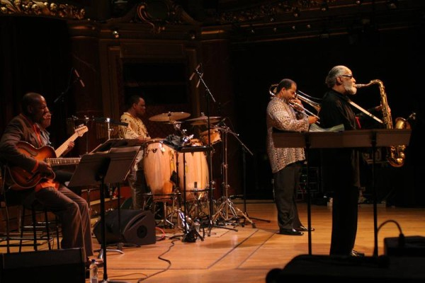 """Bobby Broom, Bob Cranshaw, Kinati Dinuzulu, Clifton Anderson and Sonny Rollins with """"Sonny Rollins Quintet"""" at the Victoria Hall"""