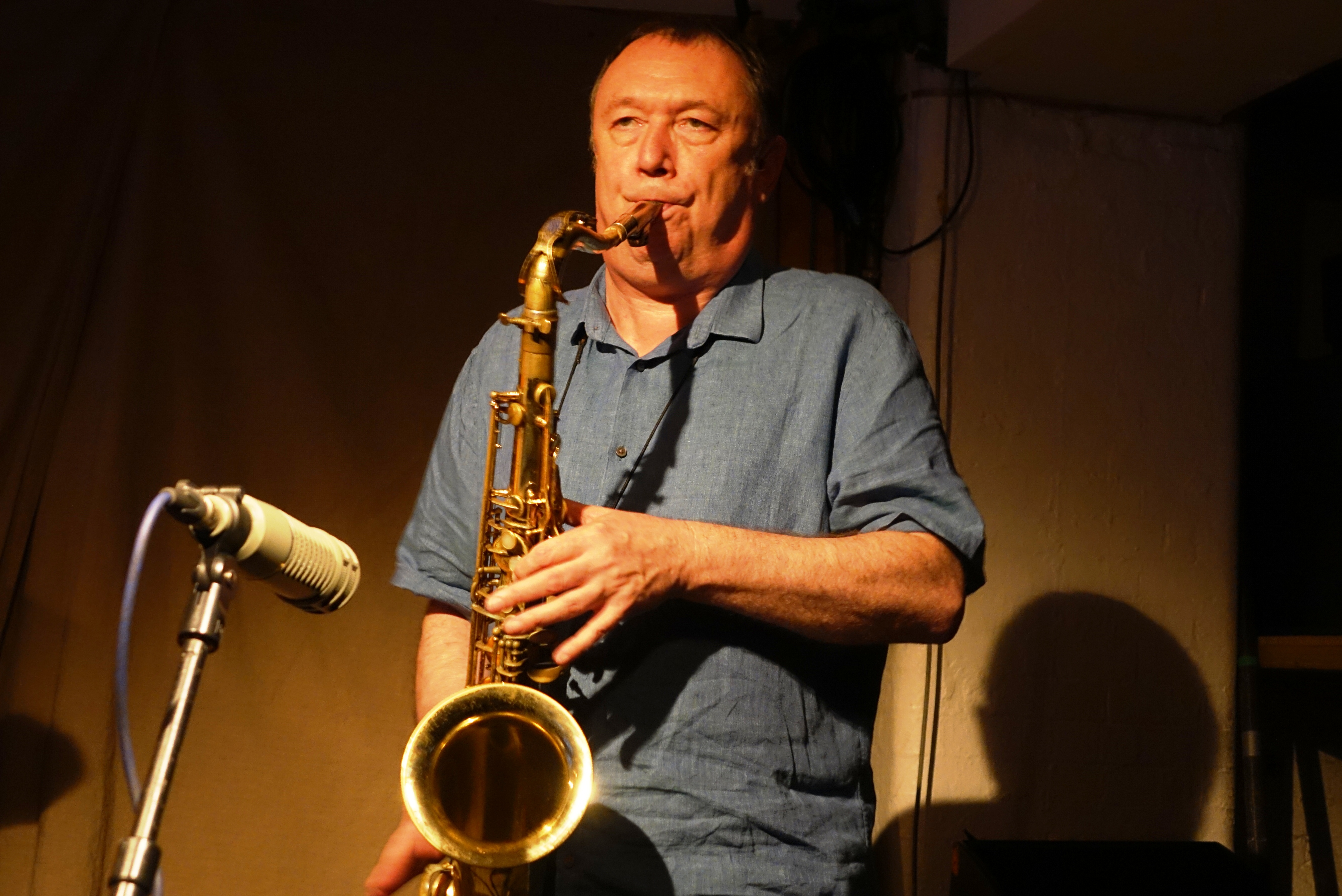 John Butcher at Cafe Oto, London in August 2018