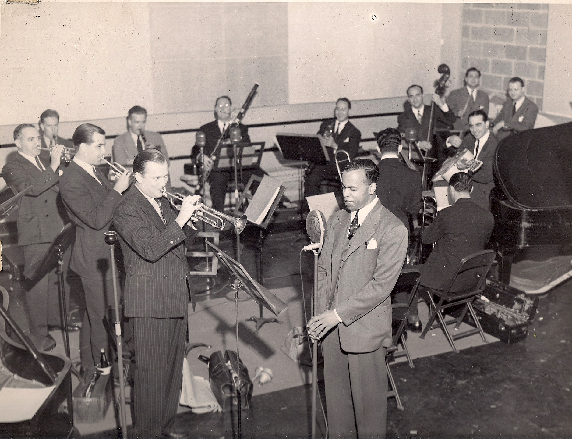 Erskine Butterfield with Band