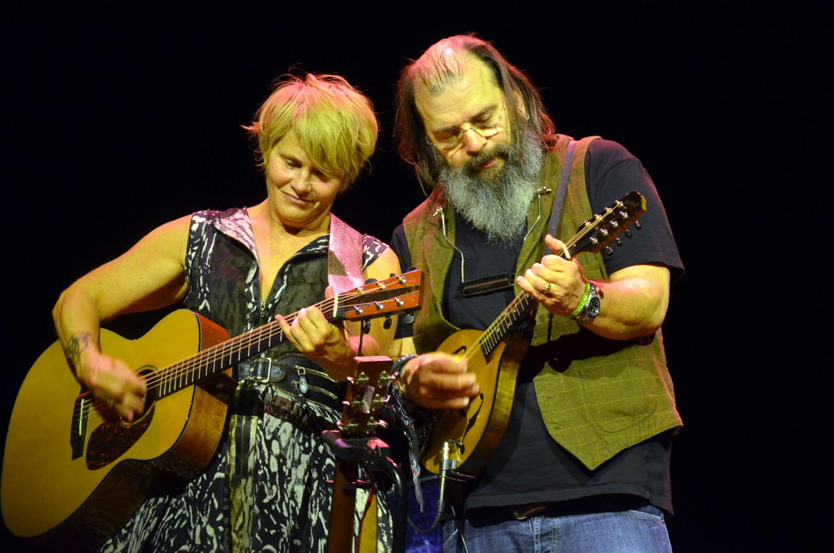 Shawn Colvin and Steve Earle Share Stories and Songs at the Space at Westbury on 9-27-14.