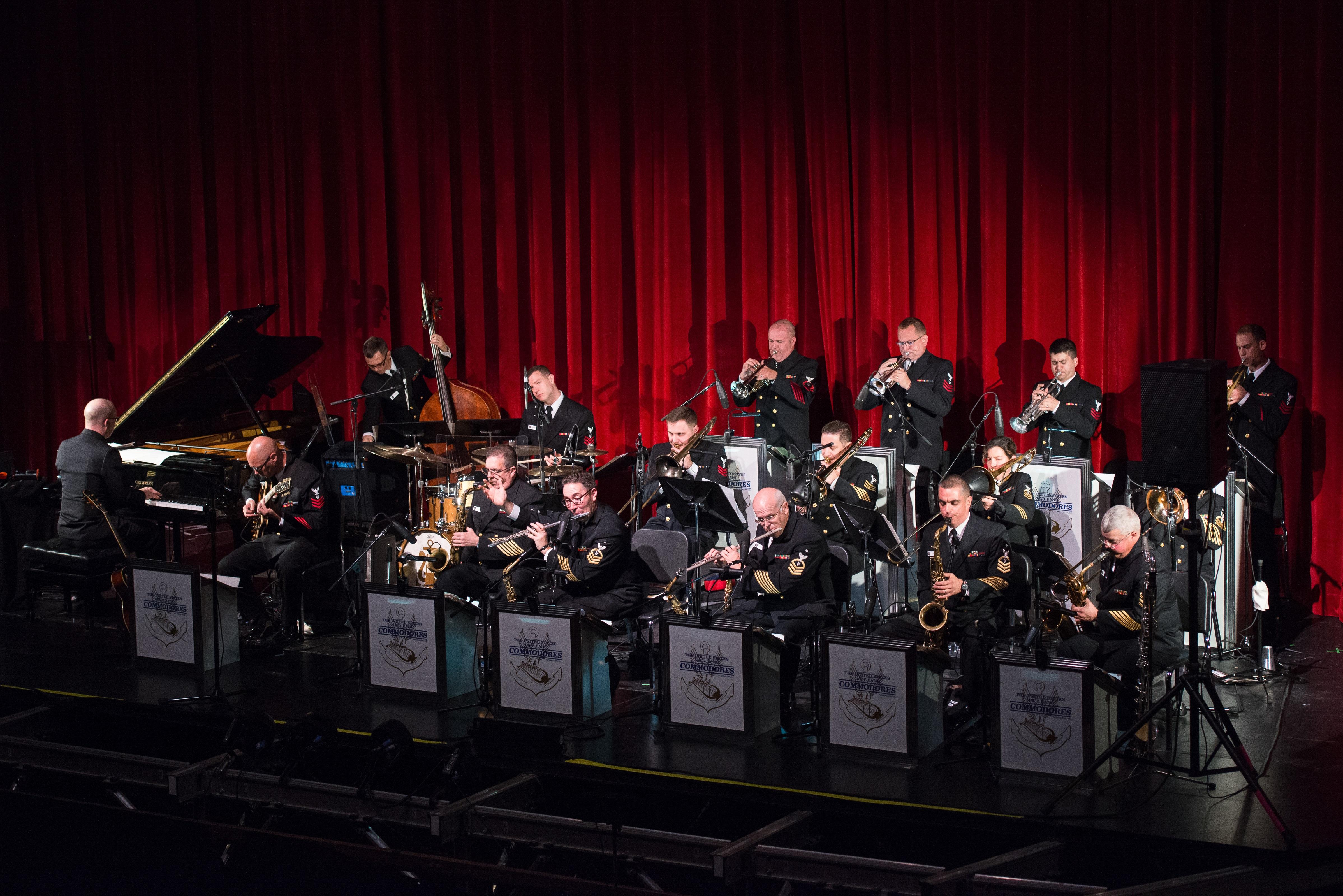 US Navy Commodores Jazz Band Extra Large
