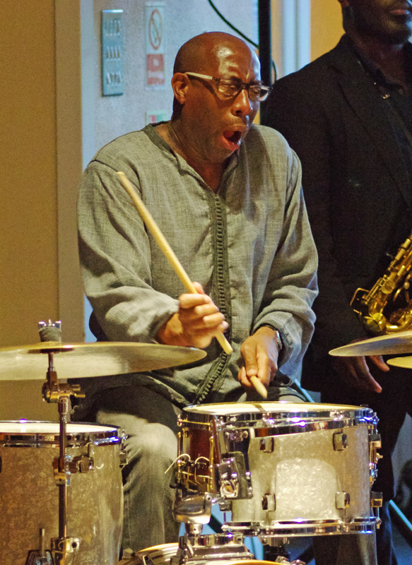 Rod Youngs, Basil Hodge Quintet