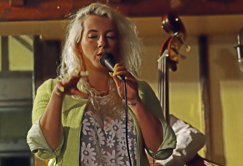 Emma smith, rob luft trio plus guest