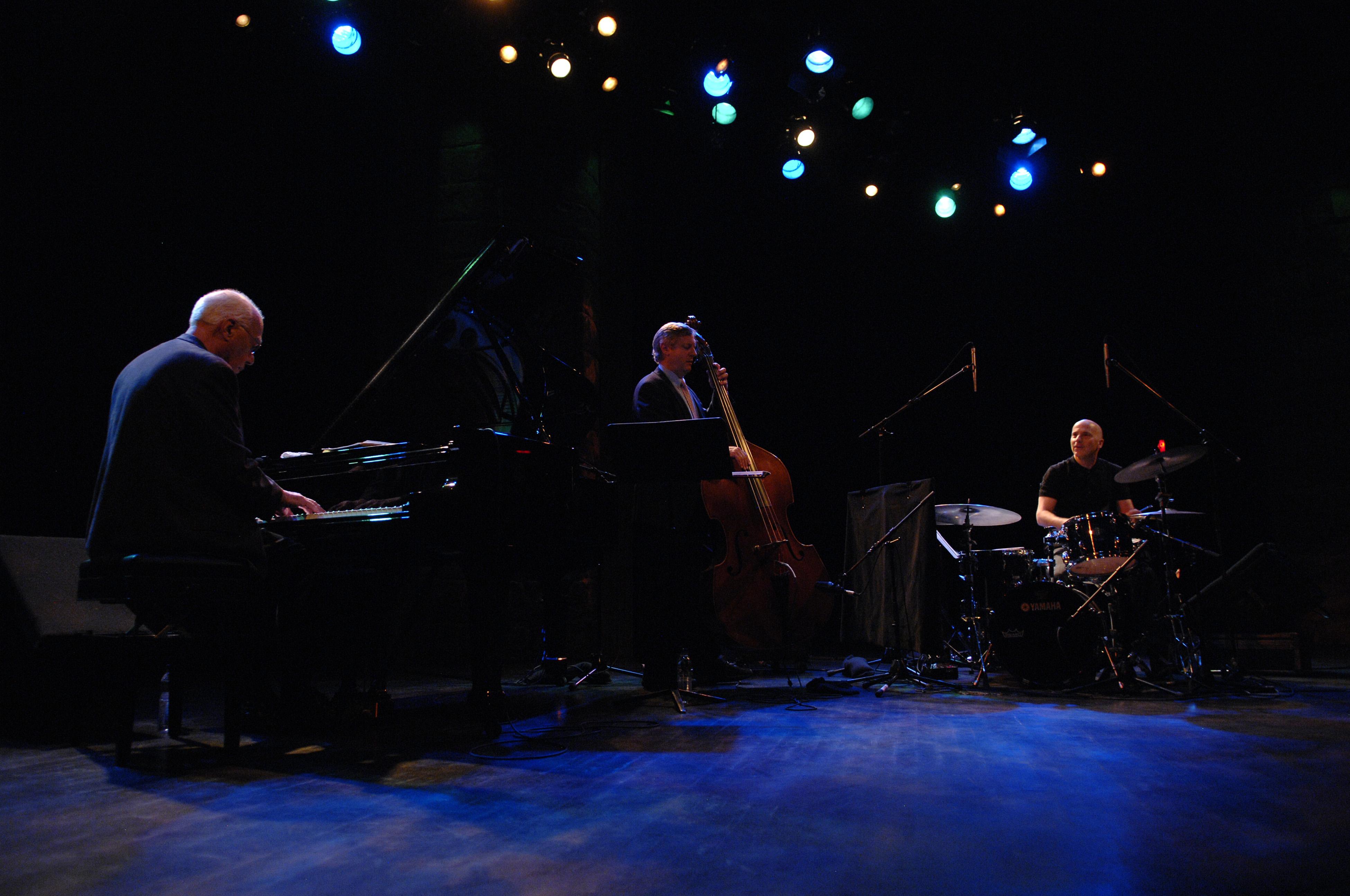 Kuhn Trio
