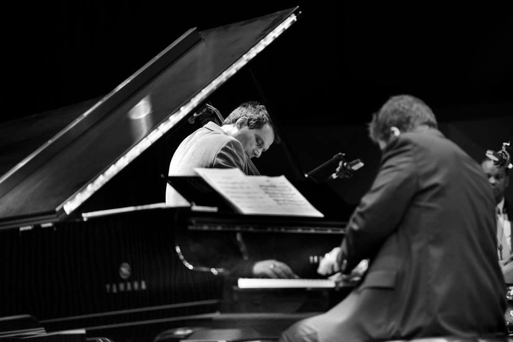 Dennis Carroll, doublebass; Ron Perrillo, Piano.
