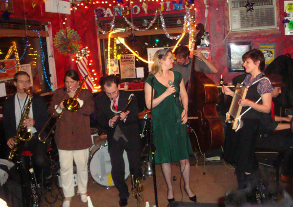 Anna Elizabeth Kendrick at Banjo Jim's with the Hot Sardines