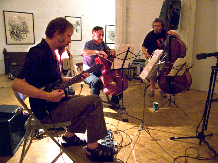 Tomas Ulrich's Kargo Kult w/ Rolf Sturm and Michael Bisio - Issue Project Room 2007