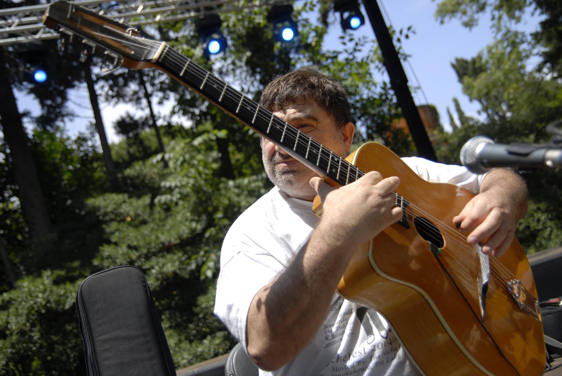 Pere soto with favino guitar