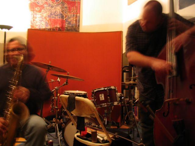 Phillip Greenlief & Damon Smith Live at 1510 Performance Space Oakland CA Photo by Aurora Josephson