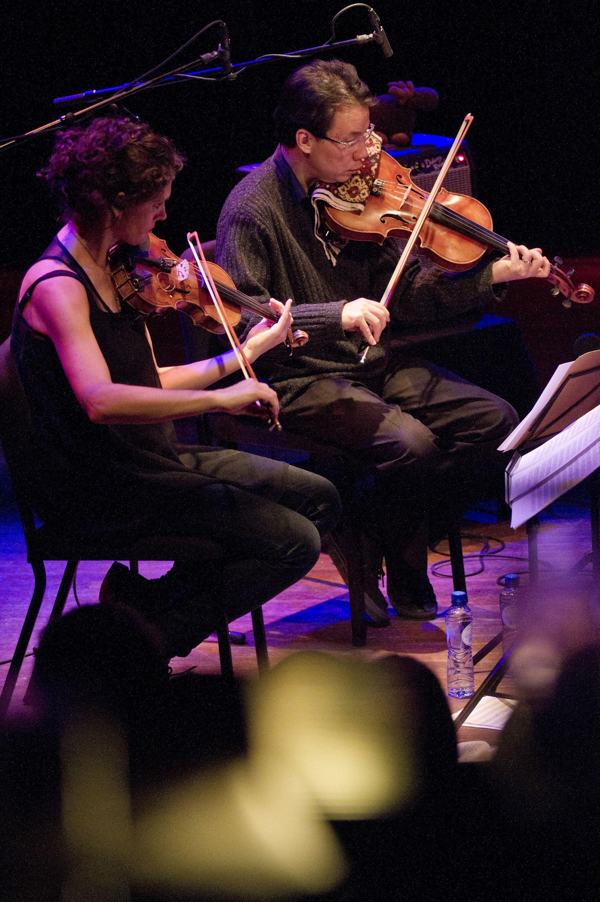 Jenny Scheinman & Eyvind Kang (Bill Frisell 858 Quartet)