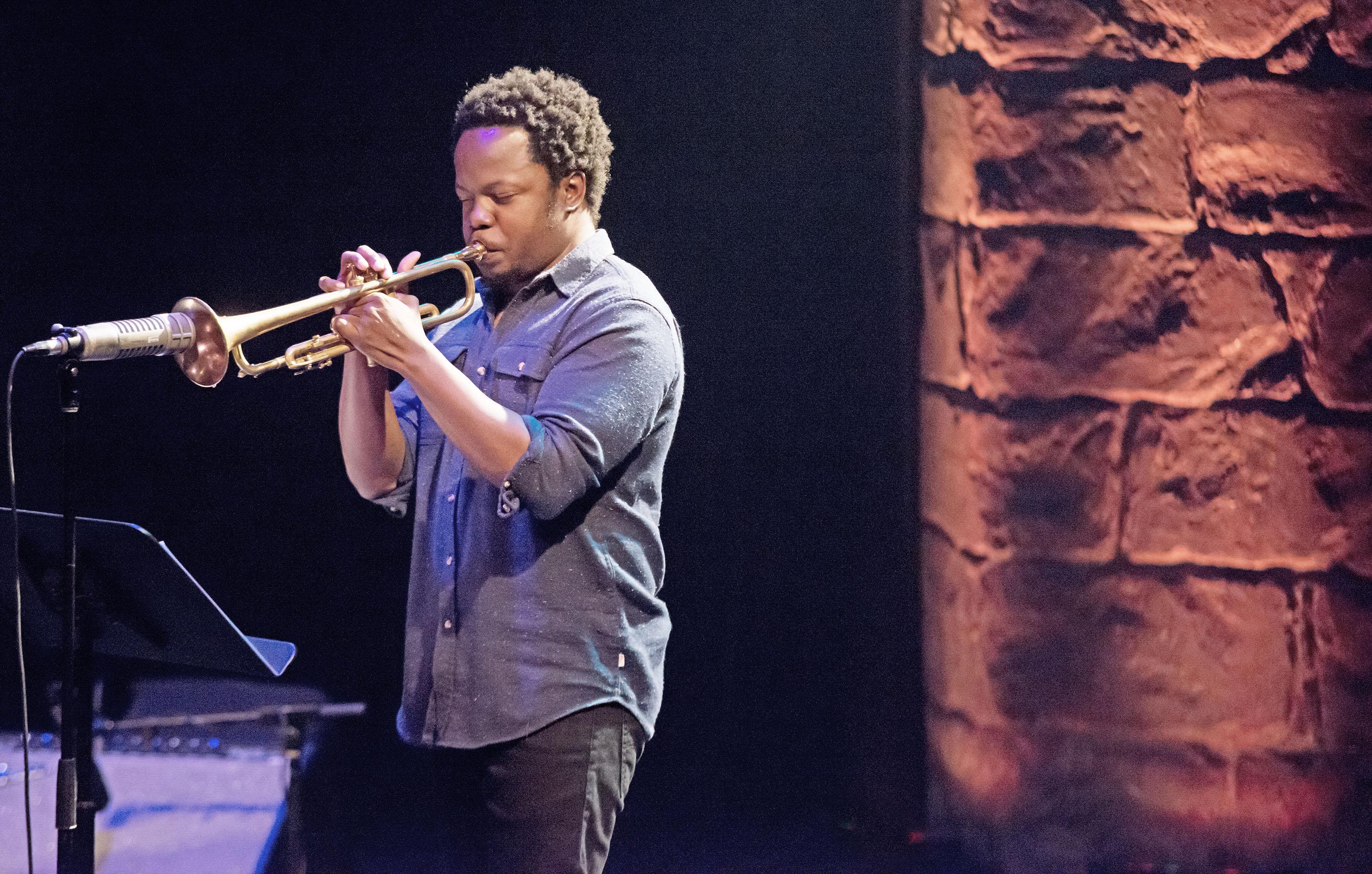 Ambrose Akinmusire & Bill Frisell at 2014 Festival International de Jazz de Montréal