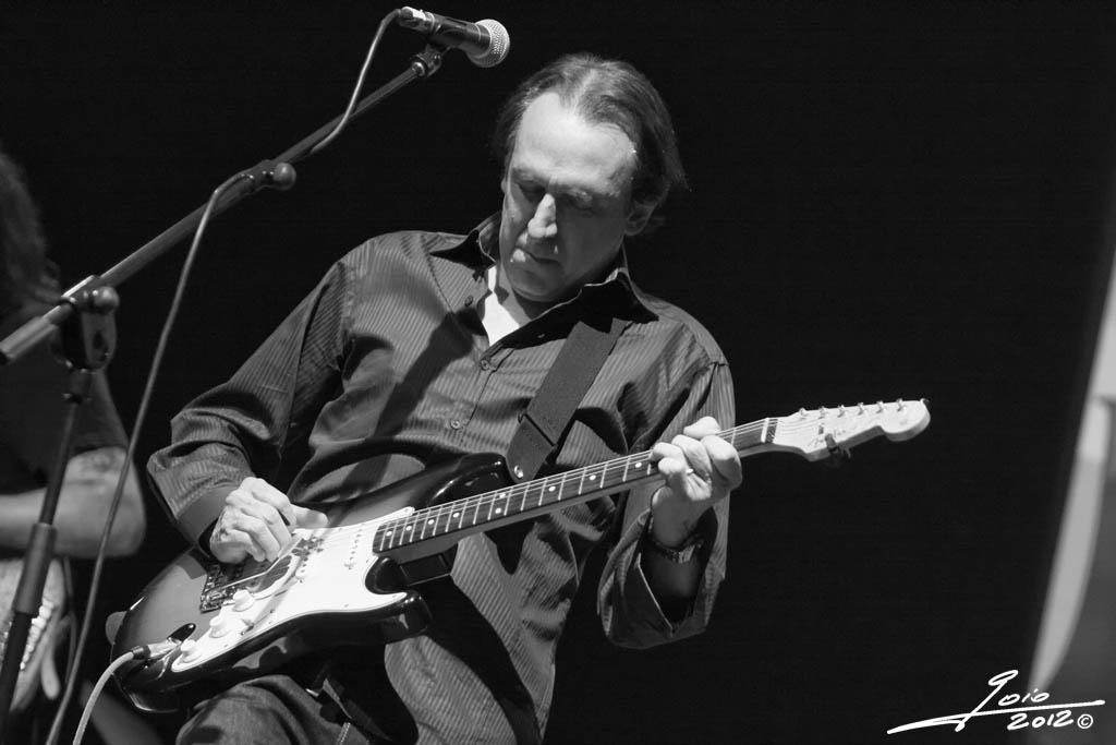 Michael Landau-2012