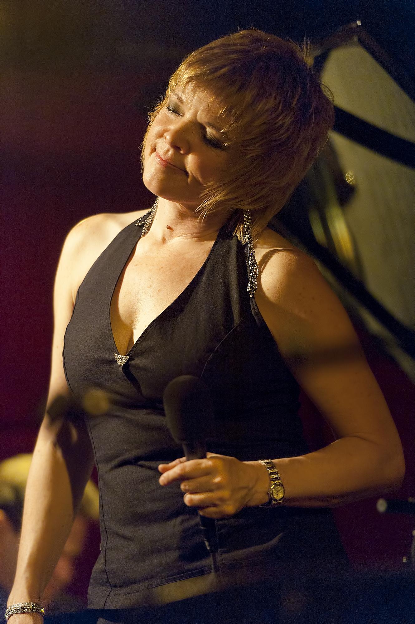 Karrin Allyson at the Jazz Standard Nov 12, 2011