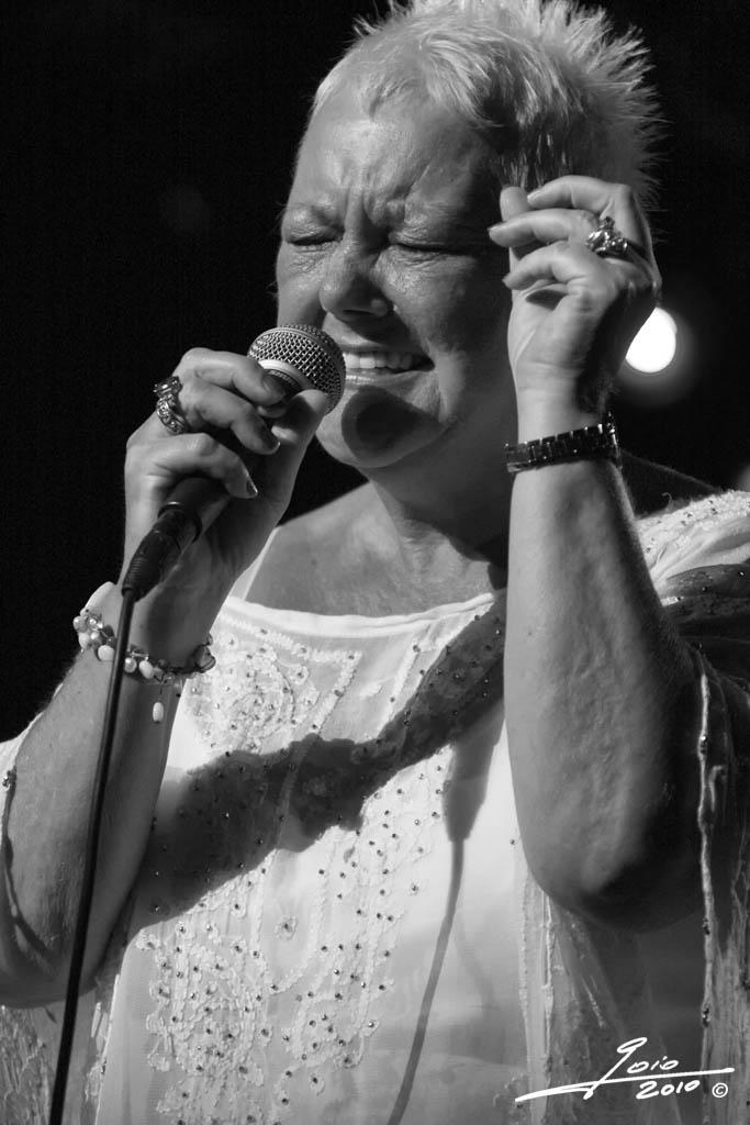 Carol Kidd - 2010 - (2)