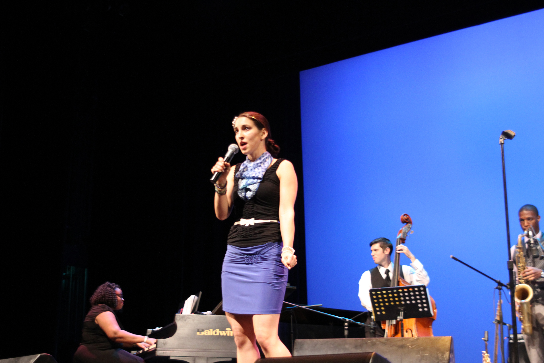 Divanation - Liz Filantes