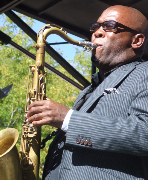 Tim Warfield with Dana Hall Quintet at 2010 Chicago Jazz Festival