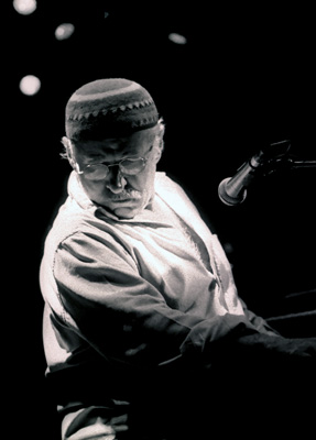 Joe Zawinul 1264826 Ronnie Scott's, London. October 2002. Images of Jazz