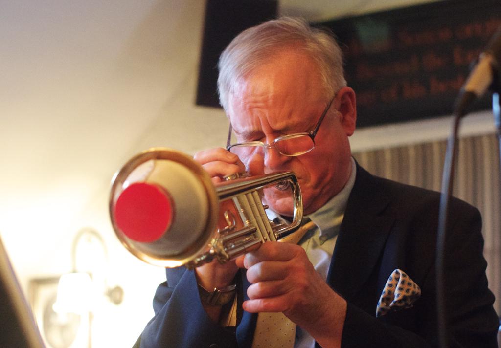 Chris Hodgkins International Jazz Quartet