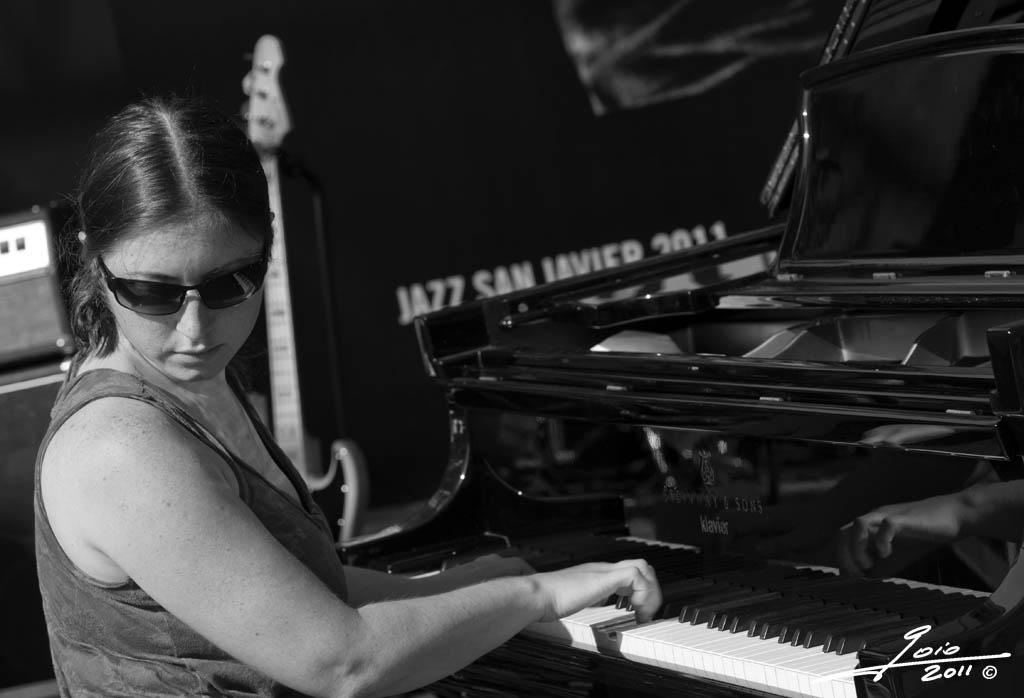 Carmen Staaf-2011-(2)