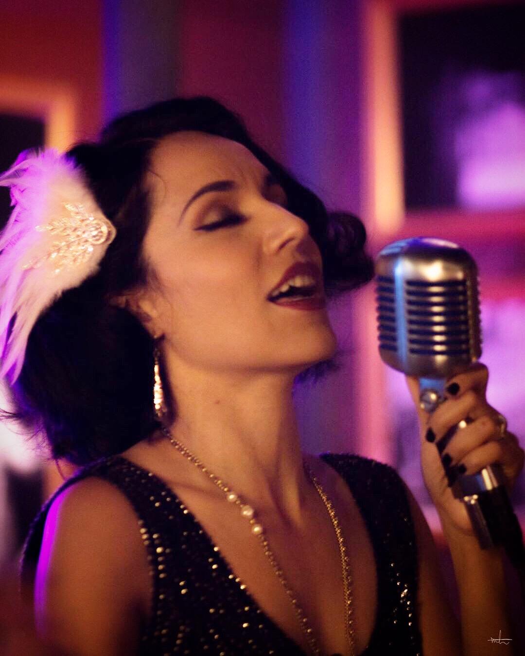 Jazz Vocalist Jackie Lopez - Vintage Glamour