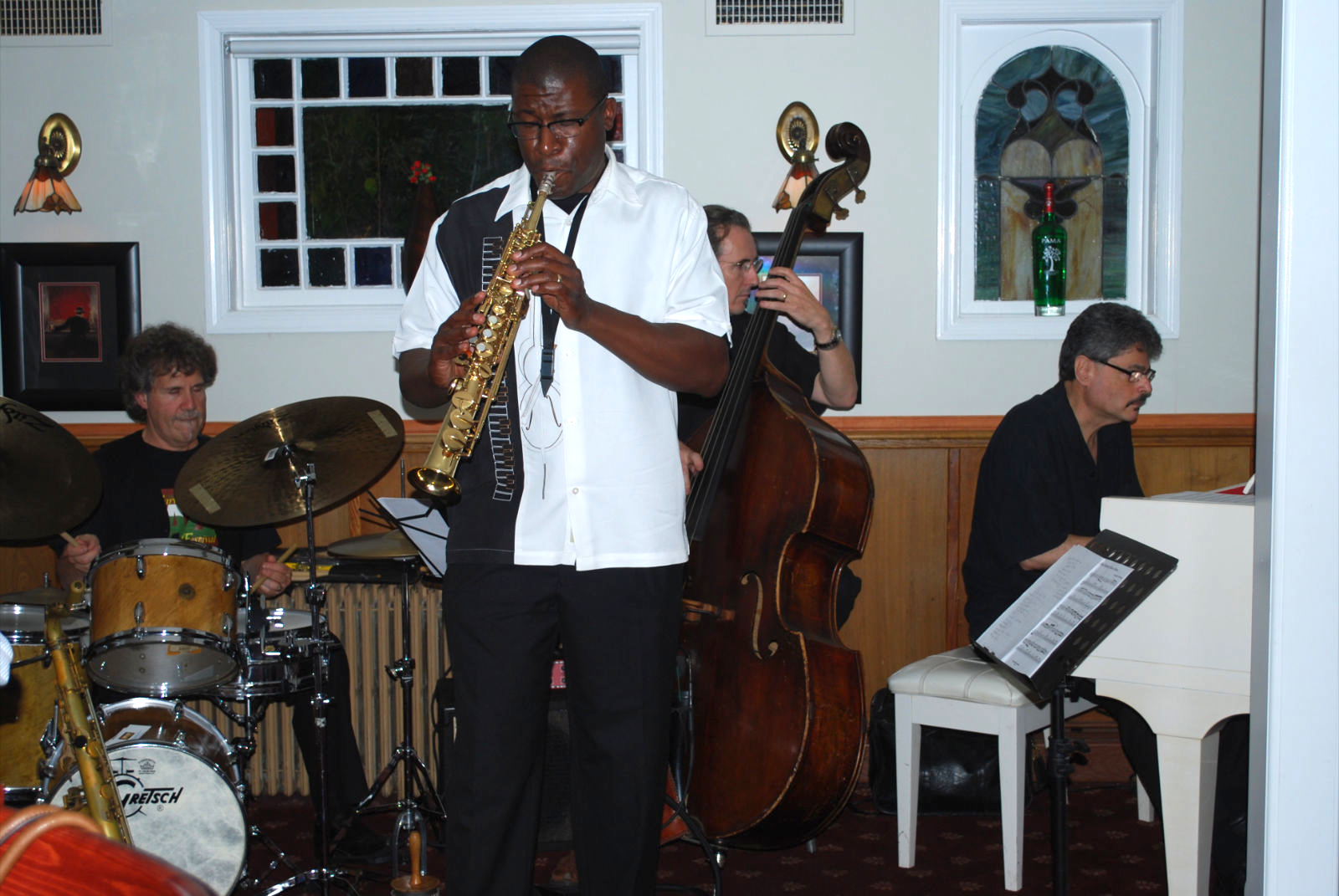 Todd Williams with the Skye Jazz Trio