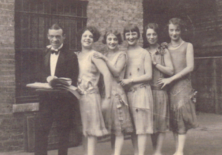 Laura Ainsworth Family Photo - 1920s All-Girl Jazz Band