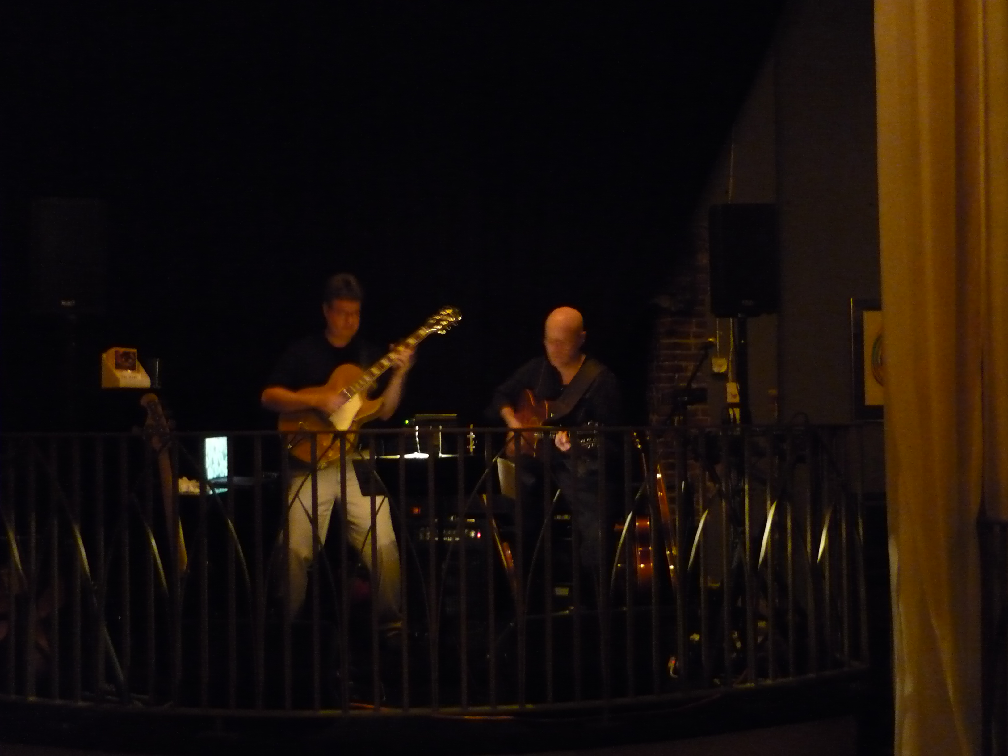 Duo Show with Guitarist Mike Doolin at Brasserie Montmarte in Portland, or May 2010