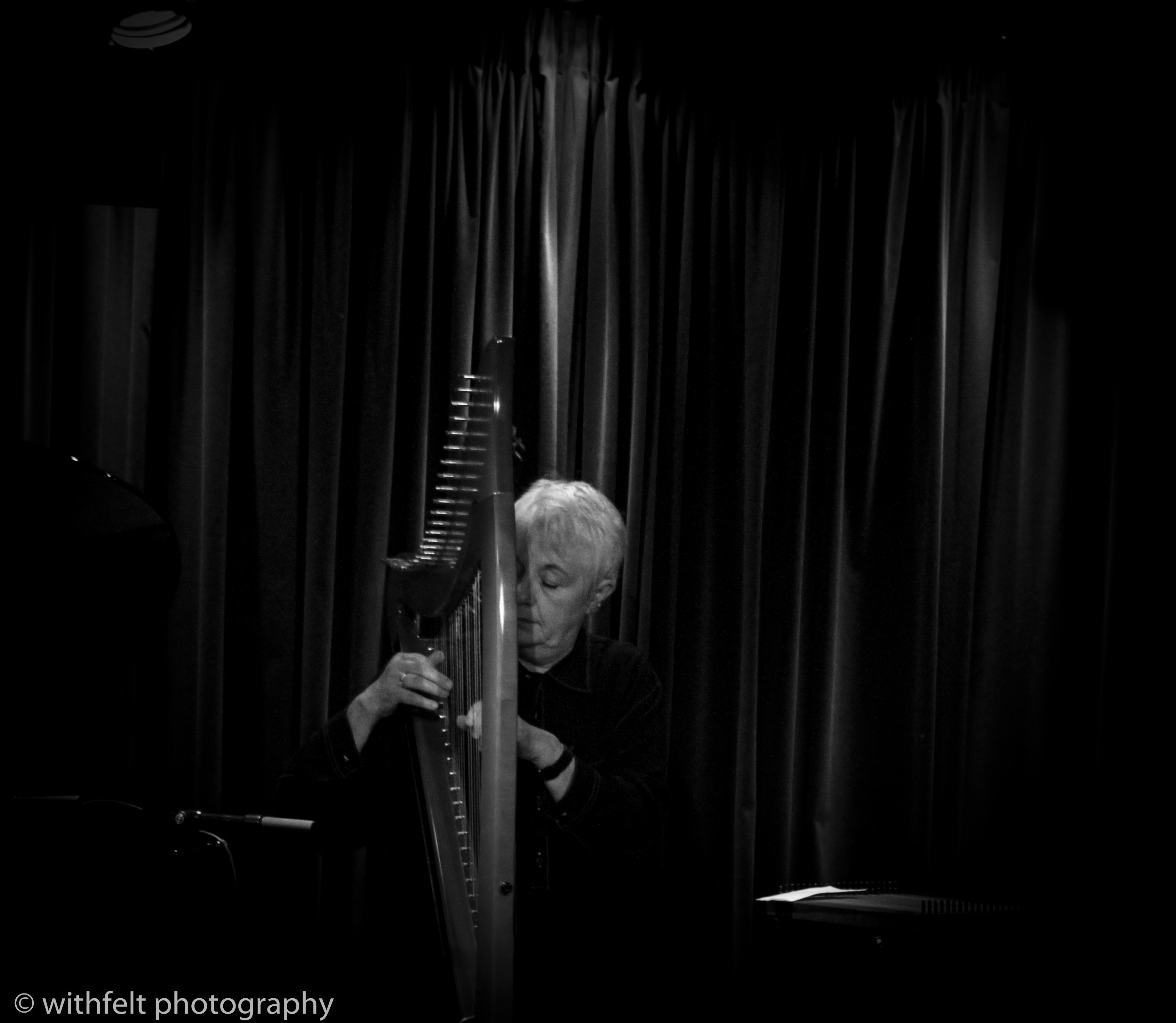 Helen Davies (Harp) at Jazzhus Montmartre in Copenhagen, Denmark 03.10.2014
