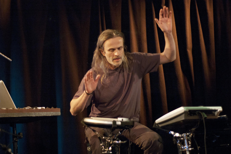 Audun Kleive, Performing with Arve Henriksen Trio at Nattjazz 2011