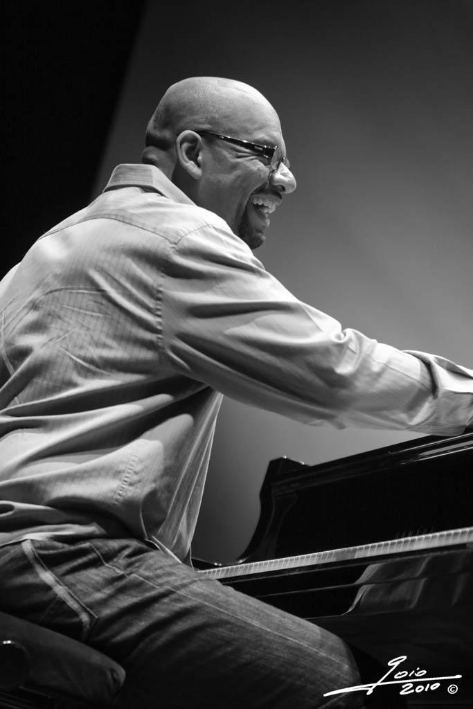 Luis Perdomo-2010
