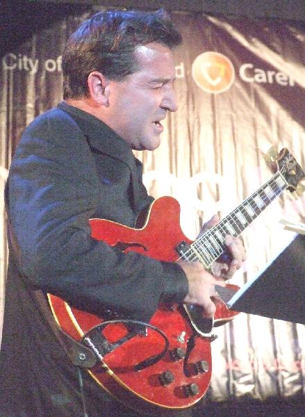 John McLean with Kurt Elling Quartet at 2010 Chicago Jazz Festival