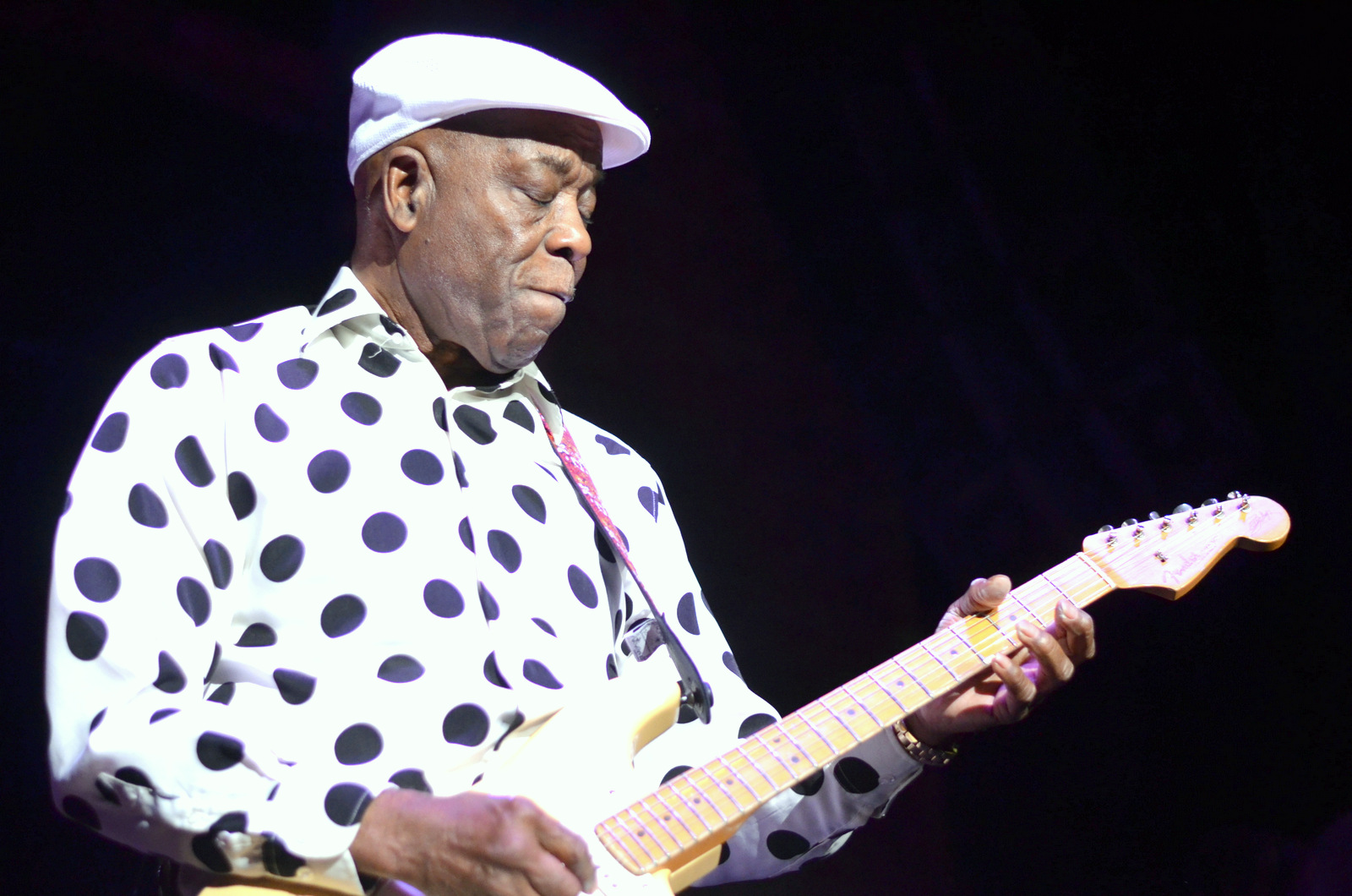 Buddy Guy at the Paramount in Huntington on 6-11-2014.