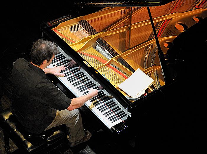 Francois Bourassa: Quid Pro Piano