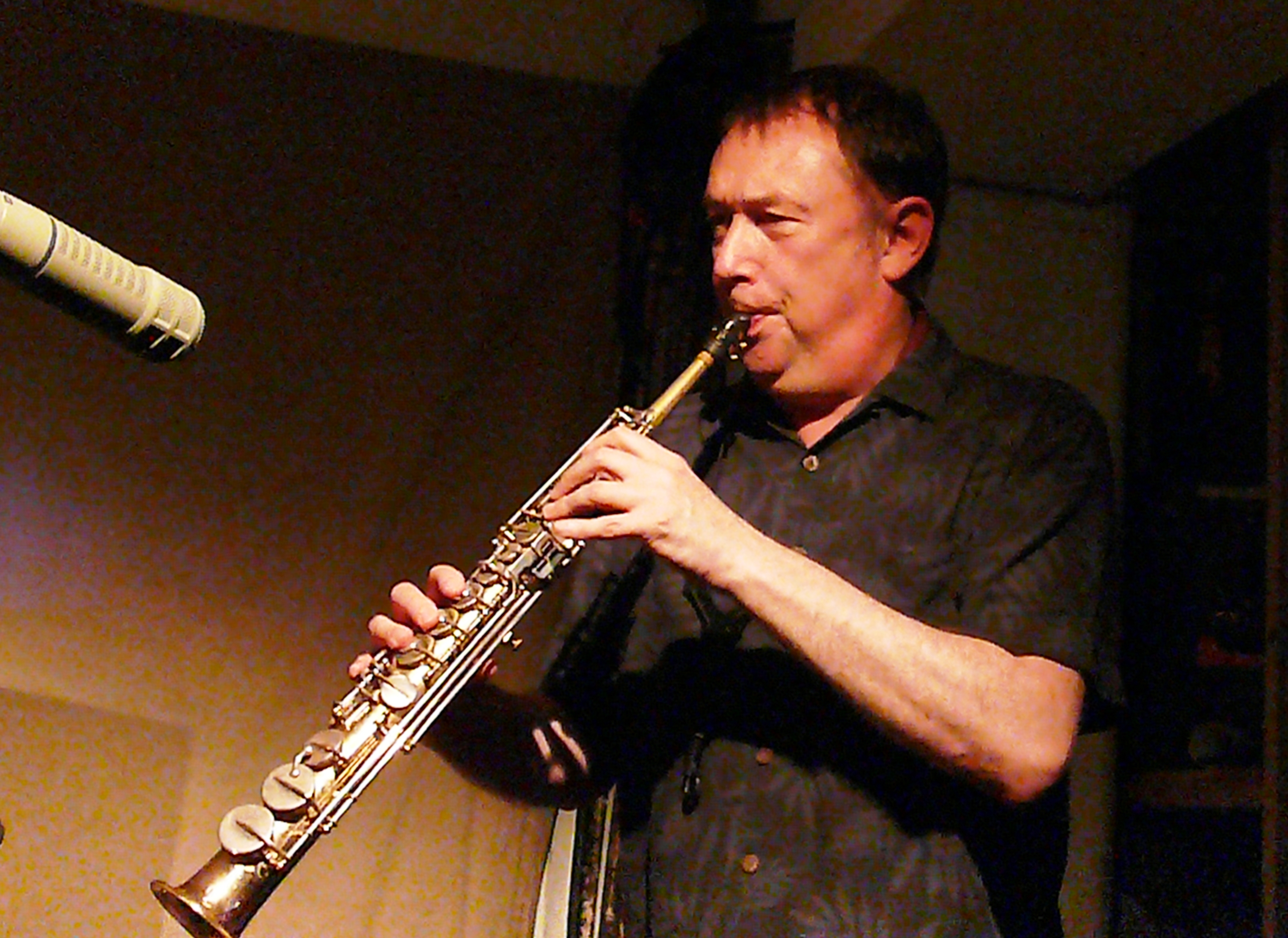 John Butcher at Cafe Oto, London in August 2017