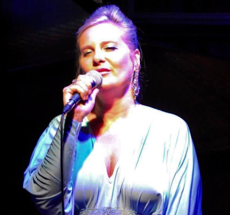 Nichaud Fitzgibbon - jazz singer