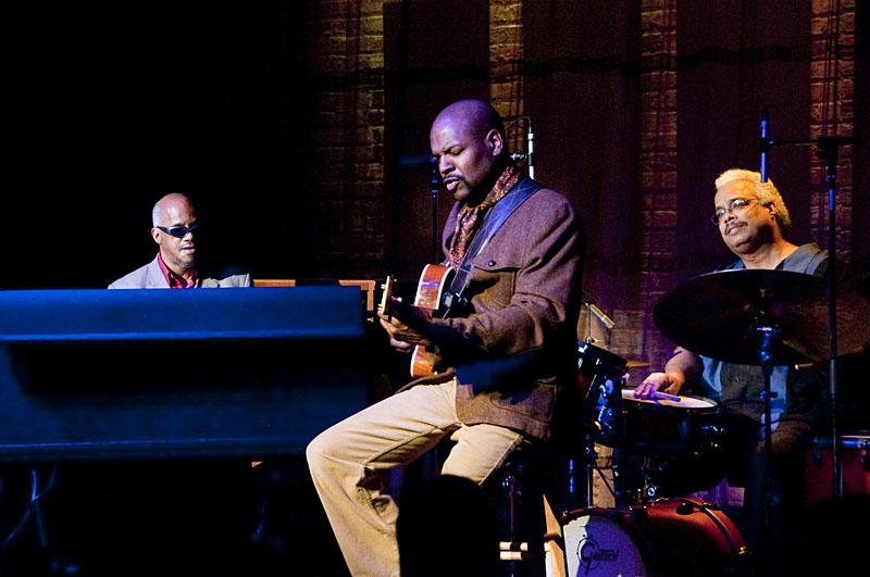 Blue Organ Trio Performs at Space in Evanston