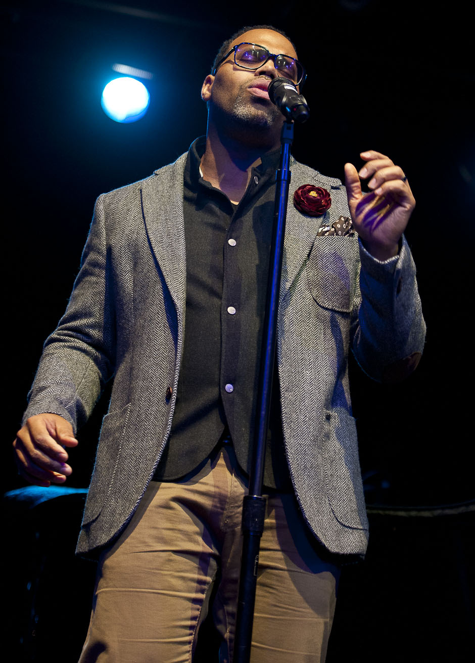 Eric Roberson Performs with Robert Glasper: Songs in the Key of Life, Harlemstage 12/14/12
