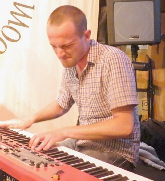 Ross Stanley at the Red Lion, Isleworth UK, 23 July 2012