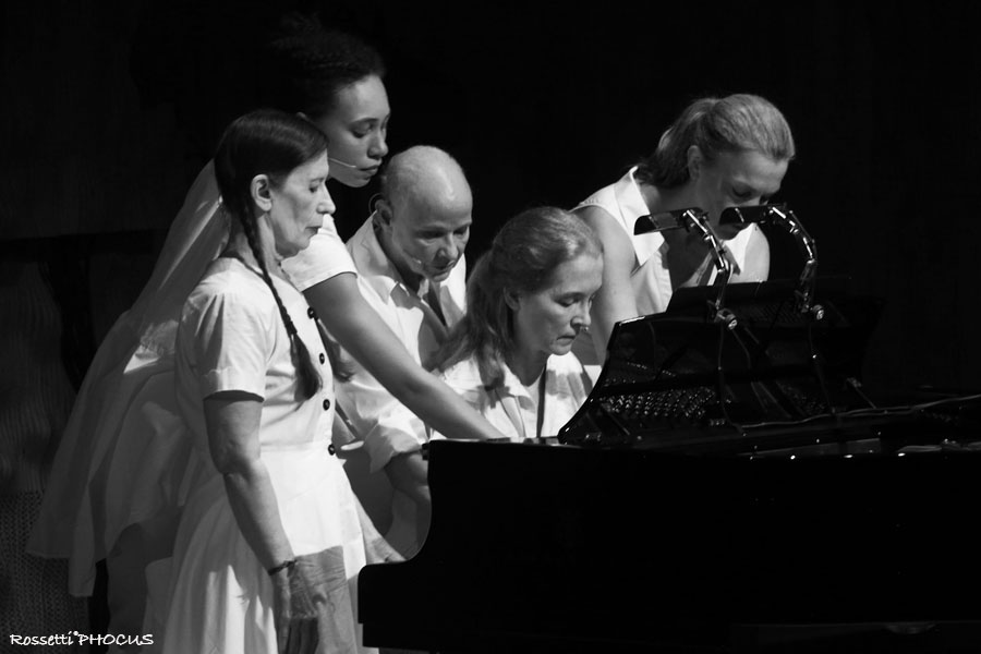 Meredith Monk e Vocal Ensemble